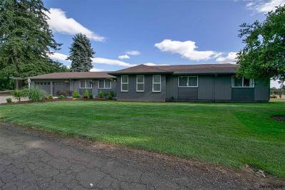Woodburn Single Family Home For Sale: 2590 Molalla Rd