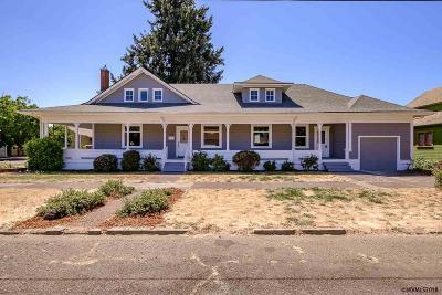 Dallas Single Family Home For Sale: 385 SE Court St