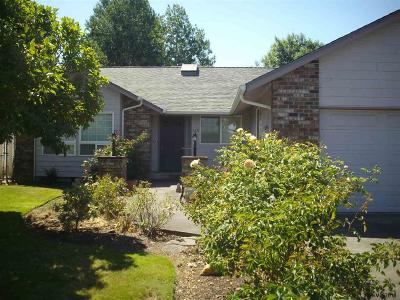 Monmouth Single Family Home For Sale: 238 Edwards Rd