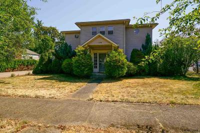 Dallas Single Family Home Active Under Contract: 1186 SE Lyle St