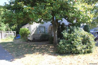Keizer Single Family Home Active Under Contract: 1095 Clearview Dr