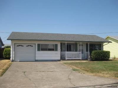 Woodburn Single Family Home For Sale: 1127 Stanfield Dr