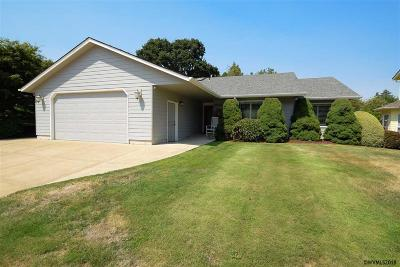 Stayton Single Family Home For Sale: 1043 E Virginia St