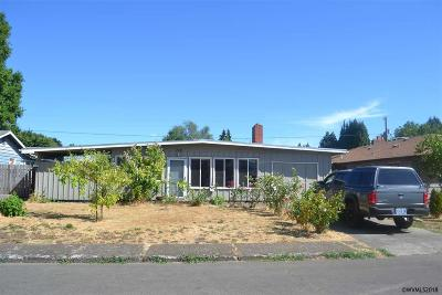Keizer Single Family Home Active Under Contract: 719 Marino Dr