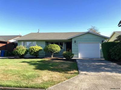 Woodburn Single Family Home For Sale: 1740 Rainier Rd
