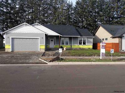 Stayton Single Family Home For Sale: 2235 Deer Av