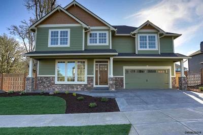 Salem Single Family Home Active Under Contract: 3818 Rogue Av