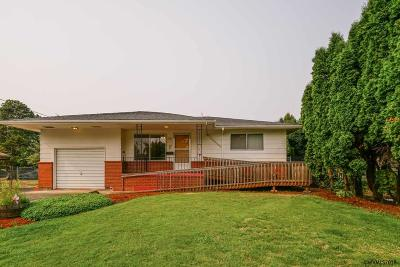 Woodburn Single Family Home For Sale: 740 Church St