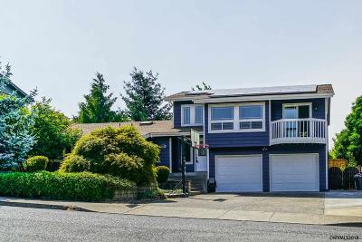 Salem Single Family Home For Sale: 443 Suncrest Av