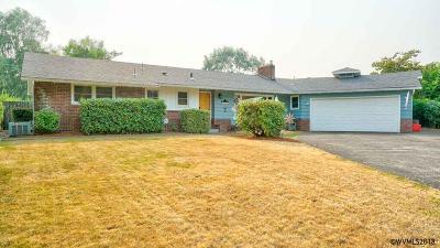 Keizer Single Family Home Active Under Contract: 4826 Ventura Lp