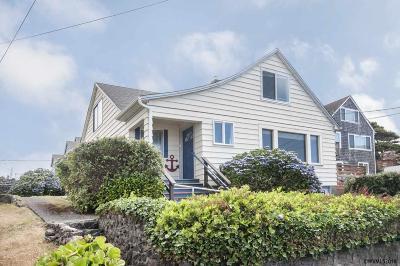 Lincoln City Single Family Home For Sale: 3264 SW Anchor Av