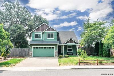 Dallas Single Family Home For Sale: 923 SW Sequoia Ln