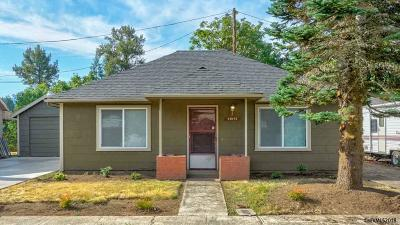 Stayton Single Family Home Active Under Contract: 21974 Lilly Ln