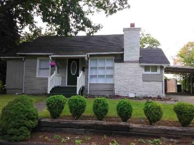 Woodburn Single Family Home For Sale: 337 S Settlemier Av
