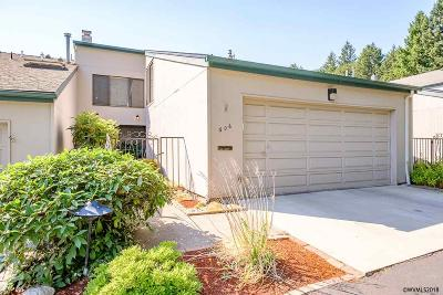 Salem Condo/Townhouse For Sale: 606 Salem Heights Av