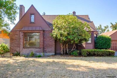 Monmouth Single Family Home For Sale: 693 Clay St