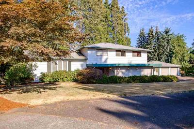 Woodburn Single Family Home For Sale: 285 Seneca Ct