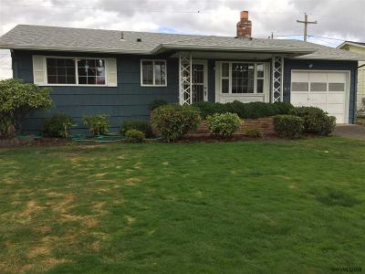Woodburn Single Family Home Active Under Contract: 1467 Astor Wy
