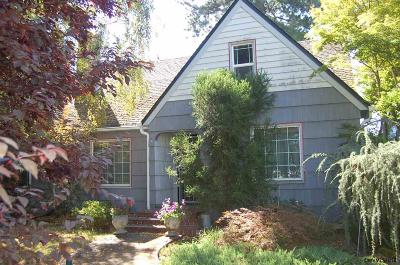 Woodburn Single Family Home Active Under Contract: 1560 E Lincoln Rd