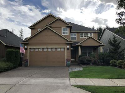 Woodburn Single Family Home For Sale: 708 Fairwood Crescent Dr