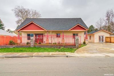Salem Single Family Home For Sale: 1035 Hoffman Rd