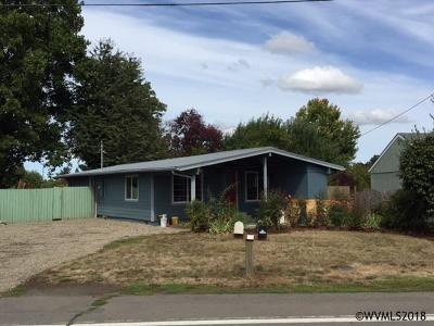 Keizer Single Family Home For Sale: 305 Sandy Dr