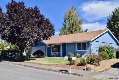 Keizer Single Family Home For Sale: 6956 Fenwick Ct