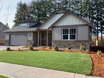 Stayton Single Family Home For Sale: 2097 Deer Av