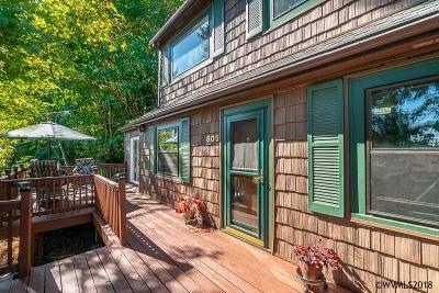 Salem Single Family Home For Sale: 605 Piedmont Av