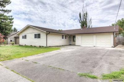 Salem Single Family Home For Sale: 4400 Auburn Rd