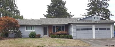 Keizer Single Family Home Active Under Contract: 839 Delta Dr