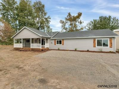 Aumsville Single Family Home Active Under Contract: 10507 SE Stayton Rd