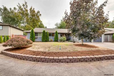 Keizer Single Family Home For Sale: 4742 Rivergrove Ct