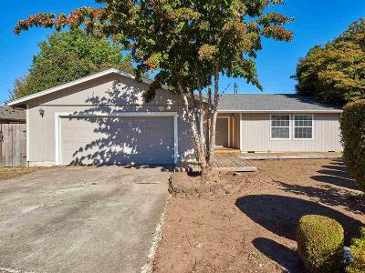 Keizer Single Family Home Active Under Contract: 1417 Bright Ct