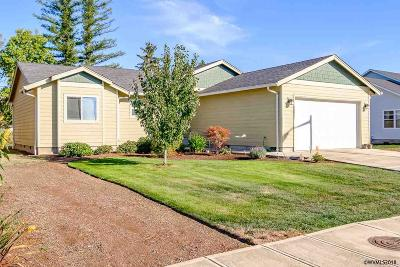 Scio Single Family Home For Sale: 38645 SE Elderberry St