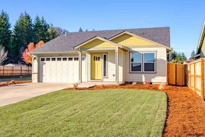 Dallas Single Family Home For Sale: 2055 SE Thomas Ct