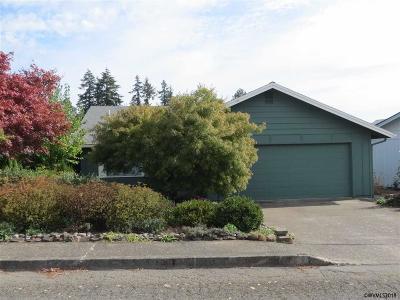 Salem Single Family Home Active Under Contract: 1633 Sunrise Cl