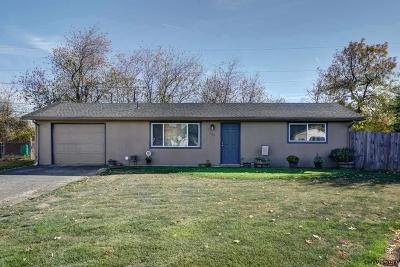 Aumsville Single Family Home Active Under Contract: 330 Dianne Ct