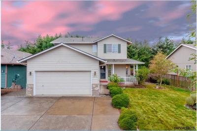 Woodburn Single Family Home Active Under Contract: 2846 Championship Dr