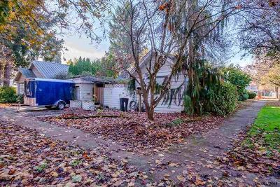 Salem Single Family Home For Sale: 975 18th St