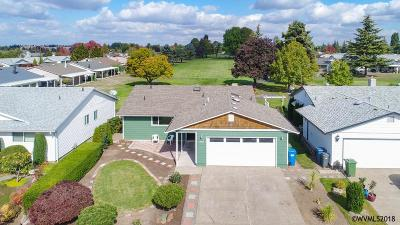 Woodburn Single Family Home Active Right Of Refusal: 2219 W Santiam Dr