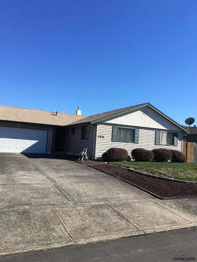 Keizer Single Family Home Active Under Contract: 4926 Trade Wind Av