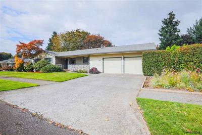 Keizer Single Family Home Active Under Contract: 1187 Manzanita Wy