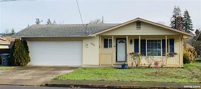 Sweet Home Single Family Home For Sale: 1335 1st Av