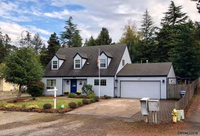 Salem Single Family Home For Sale: 2224 Rogers Ln