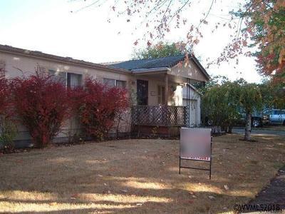 Salem Manufactured Home Active Under Contract: 4647 San Francisco Dr