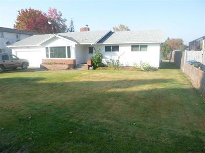 Salem Single Family Home For Sale: 839 45th Av