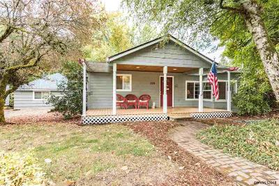 Sublimity Single Family Home Active Under Contract: 226 SW Division St