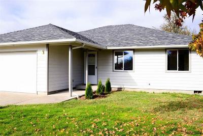 Salem Single Family Home For Sale: 2995 Chester Av