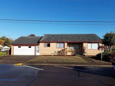 Dallas Single Family Home For Sale: 1052 SE Ash St